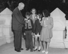 Mayor Garnet Coulter and Junior Mayors, July 30, 1947