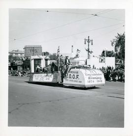 Winnipeg's 75th Anniversary parade - International Order of Odd Fellows float