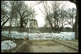 1997 flood - Elm Park Bridge and dike