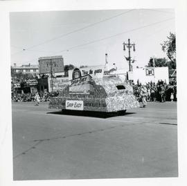 Winnipeg's 75th Anniversary parade - Shop Easy float