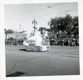Winnipeg's 75th Anniversary parade - duck soup float