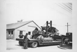 109, loader on low bed trailer #136 - 1949