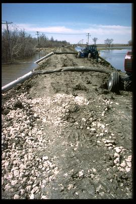 1997 flood - Rue Des Trappistes - dike and pumps