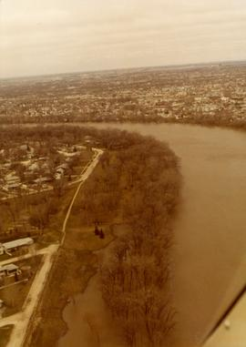 Aerial of 1974 Flood – Fraser's Grove Park
