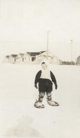 Child on snowshoes