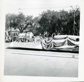 Winnipeg's 75th Anniversary parade - Municipal Hospitals float