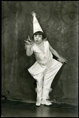 Mayde Fraser in costume