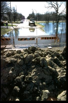 Bonner Avenue - sandbag and earthen dikes at Bunn's Creek