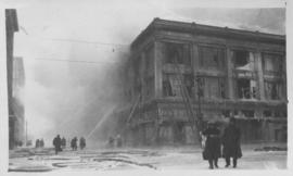 Enderton Building - Winnipeg, on fire, Friday, January 11, 1918