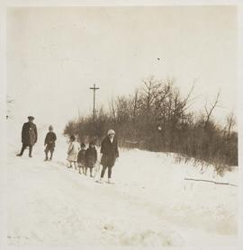 Children snowshoeing
