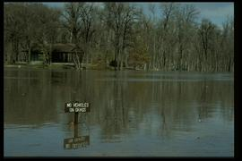 1997 flood - Crescent Park Drive - signage