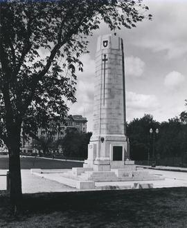 Cenotaph on grounds of Legislative Building