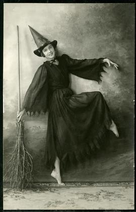 Phyllis Rutherford in costume