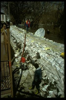 1997 flood - Scotia Street - satellite dish in water
