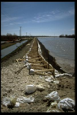 1997 flood - Pembina Highway - dike repairs