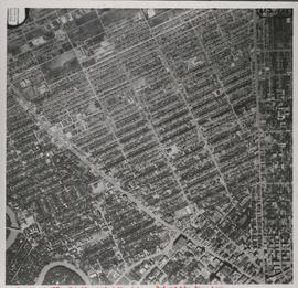 Central Winnipeg between Portage and Notre Dame Avenues [Aerial view]