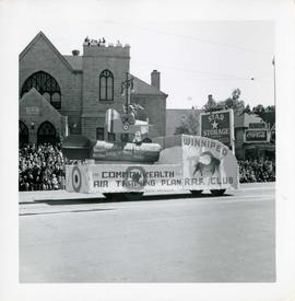 Winnipeg's 75th Anniversary parade - Winnipeg Royal Airforce Club float
