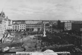 Central view at unveiling Volunteer Monument, Winnipeg, Sept. 28, 1886